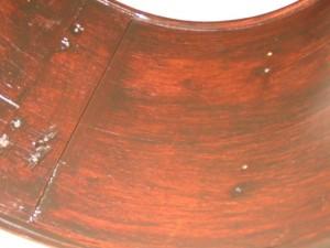 unutrašnjost bas bubnja nakon popravka i farbanja